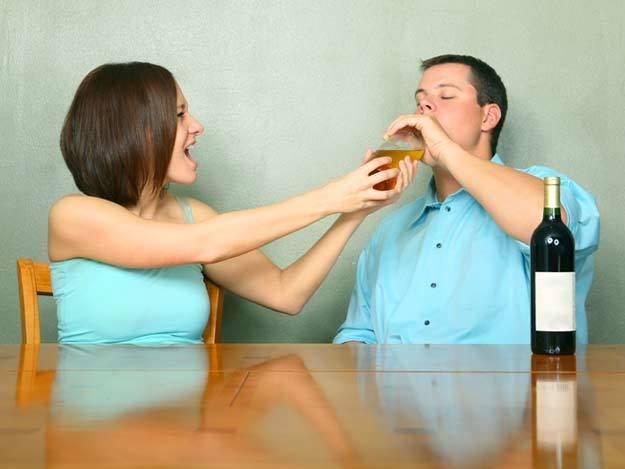 О созависимости при алкоголизме: как разорвать порочный круг в семье