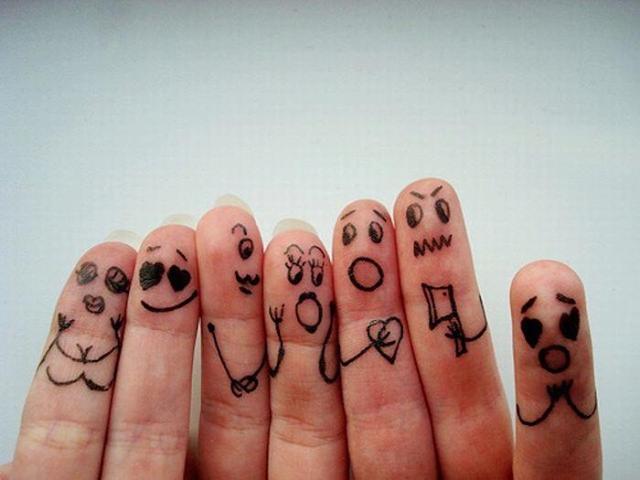 Чем отличаются чувства человека от эмоций?