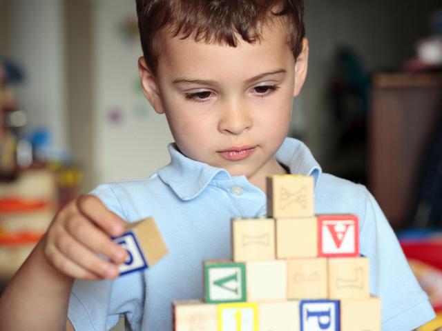 Слабоумие у ребенка и взрослого: признаки и симптомы