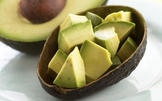 Какие продукты сжигают жиры и способствуют похудению: Фрукты, овощи, таблица
