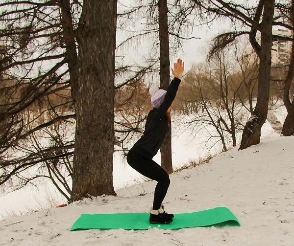 Йога для похудения для начинающих в домашних условиях, упражнения с фото, комплекс на каждый день